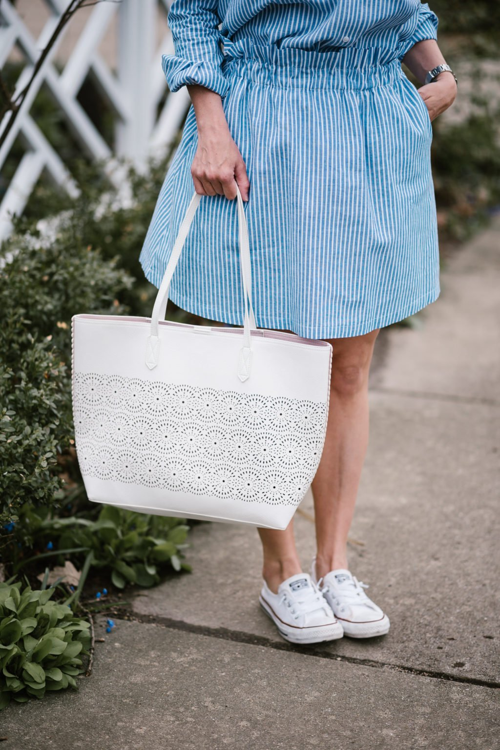 Spring style: striped two piece set, tote bag, Converse, sunglasses