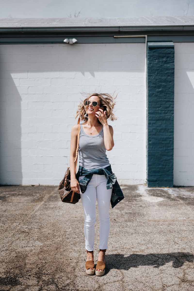10 Easy Summer Outfit Ideas, tank and white skinny jeans