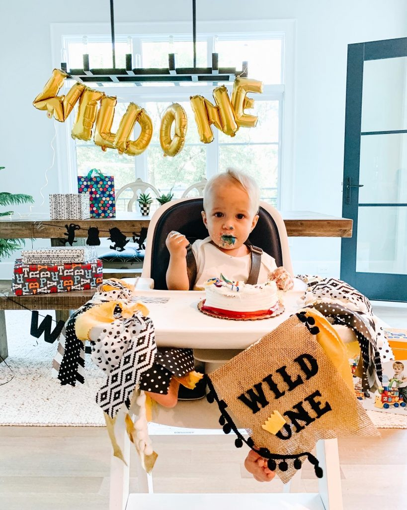 A baby Gray one year update including his one year birthday party, routine, sleep schedule, diet, and breastfeeding journey.