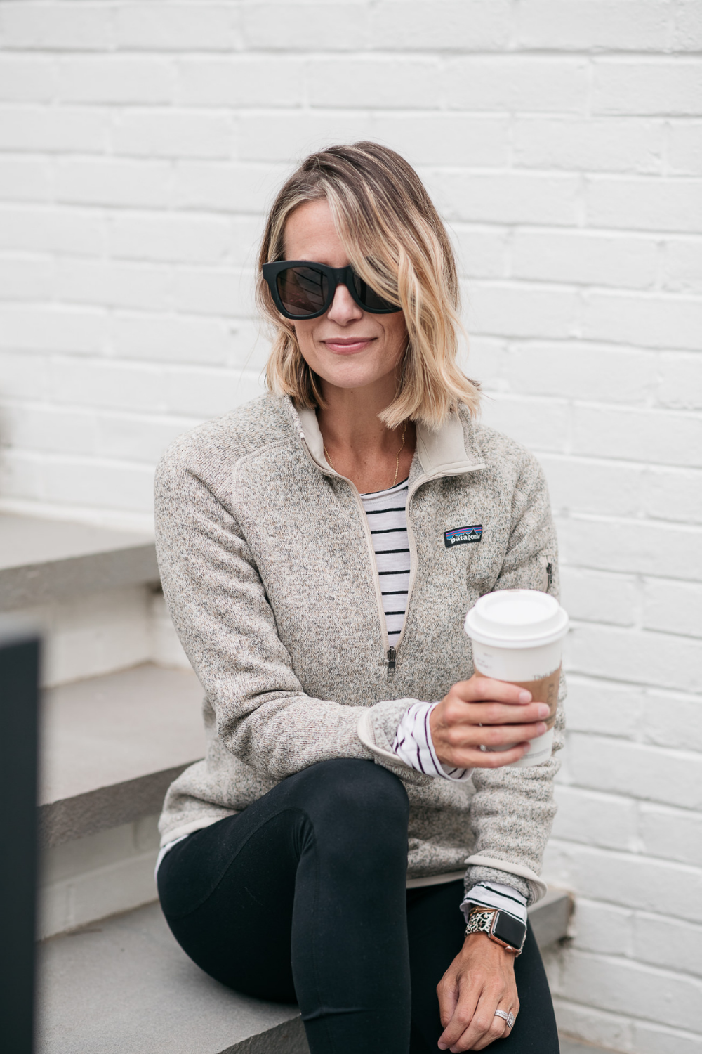 Cute and comfortable fall athleisure look