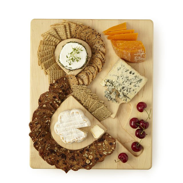 Mother's Day Gift Guide, cheese and rackers serving board