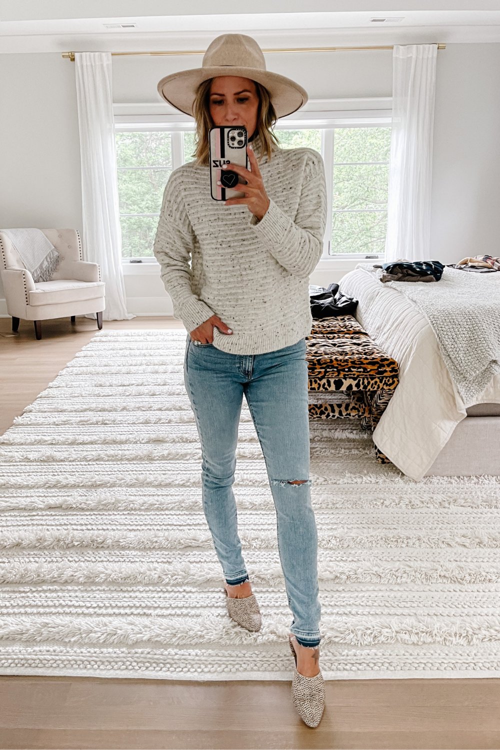 Closet staples: Madewell sweater, skinny jeans and mules